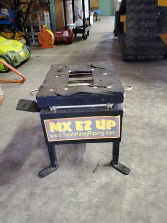 Photo Team Hawg Racing Dirt Bike Mini ATV Lift - $100 (Janesville)
