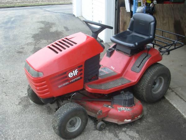 Photo Toro  Wheel Horse mower - $350 (Edgerton)