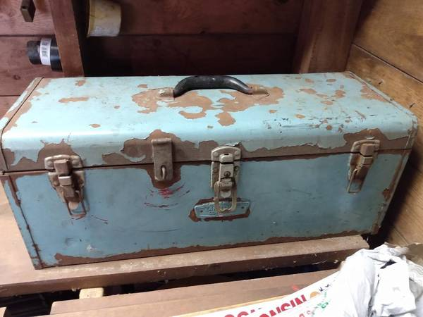 Photo all steel Craftsman toolbox - $30 (Fontana)