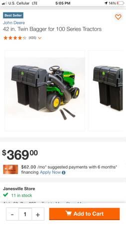 Photo john deere bagger for 42 100 series lawn tractors - $200 (Janesville)