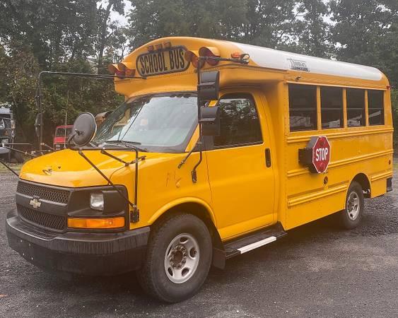 Photo 2006 Chevrolet 3500 Mini School Bus - GAS - $3,995 (Wall, NJ)