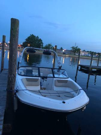 Photo 2016 Bayliner VR6 Bowrider Boat 250hp IO Mercruiser Bravo III - $48,795 (Toms River)