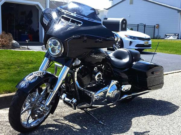 Photo 2016 Harley Davidson Street Glide Special - $19,850 (Brick)