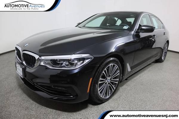 Photo 2017 BMW 5 Series, Black Sapphire Metallic - $32,995 (Automotive Avenues)
