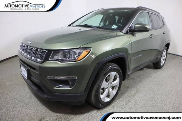 Photo 2018 Jeep Compass, Olive Green Pearlcoat - $16,995 (Automotive Avenues)
