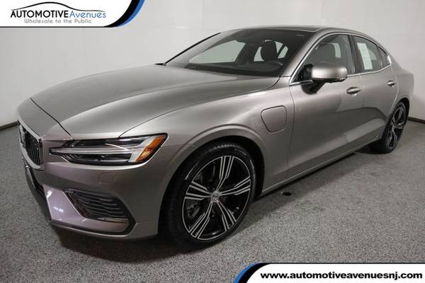 Photo 2019 Volvo S60, Pebble Grey Metallic - $39,995 (Automotive Avenues)