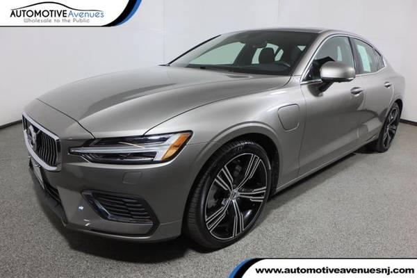 Photo 2019 Volvo S60, Pine Grey Metallic - $33,995 (Automotive Avenues)