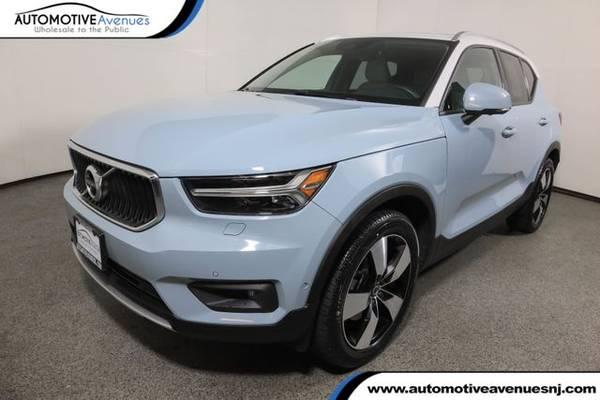 Photo 2019 Volvo XC40, Amazon Blue - $31,995 (Automotive Avenues)