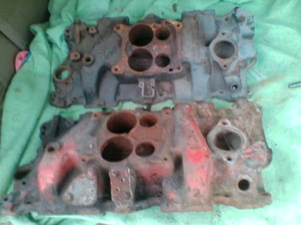 Photo 2 OLD CAST IRON CHEVY 283327 4 BARRELL MANIFOLDS - $20 (CENTRAL JERSEY)