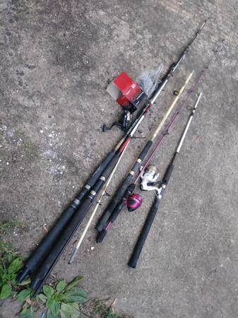 Photo 9 Fishing rods graphite, 7 reels Shakespeare Beefstick Daiwa Zebco - $25 (freehold)