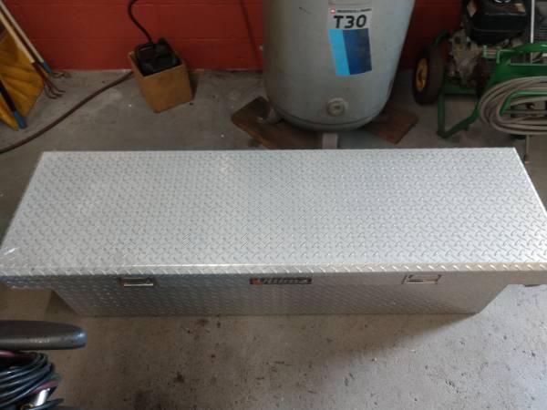 Photo Aluminum Tool box - $150 (Bayville)
