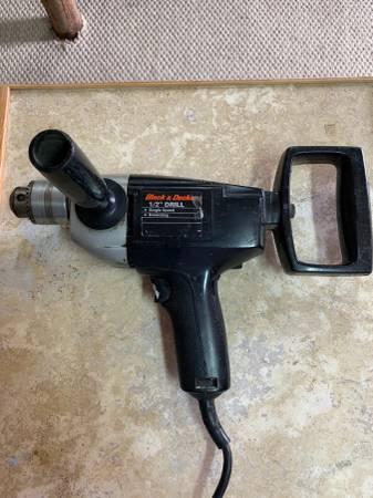 Photo BLACK  DECKER 12 INCH DRILL - $20 (Toms River)