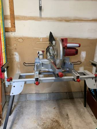 Photo Chicago electric 12 sliding compound miter saw - $200 (Toms River)