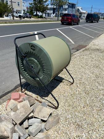 Photo Compost tumbler, pavers, wood, pvc (Surf city)