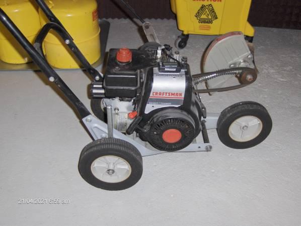 Photo Craftsman 3 HP. gas edger - $175 (Bricktown)