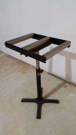 Photo Craftsman Heavy Duty 3-Roller Tool Stand - $50 (Holmdel)