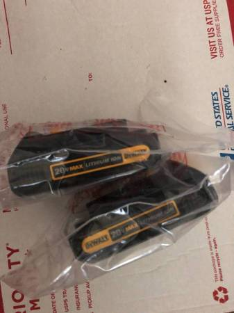 Photo Dewalt 20-Volt MAX Lithium-Ion Compact Battery Pack 1.5Ah 2x for $45 - $45 (toms river)
