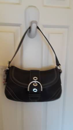 Photo Genuine Coach Leather Bag, Never Used, Still Has Tags (Toms River)
