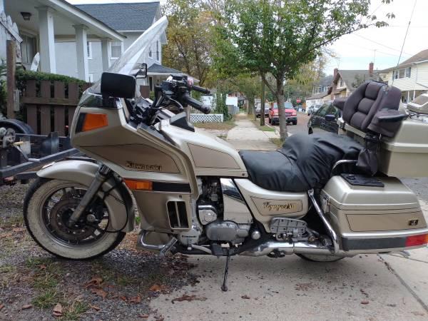 Photo Kawasaki Voyager 1200 touring bike - $1,250 (Asbury Park)