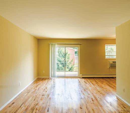 Photo Laundry Facilities, Pet Friendly - some restrictions apply (539 Vaughn Avenue Apt 3, Toms River NJ , 08753)