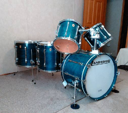 Photo Ludwig Classics Drums Blue Shadow w Power Toms and Bass (1993) - $1,400 (Toms River)