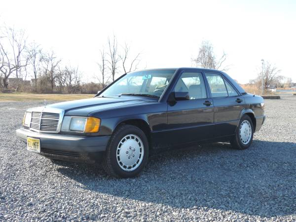 Photo Mercedes-Benz 190E - $2750