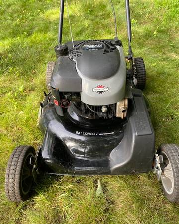 Photo Murray Push Lawn Mower 22quot Mulcher 5.0 HP BS Engine Nice Condition - $125 (Howell)