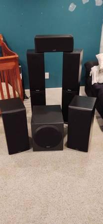 Photo Polk Audio suround sound Speakers - $300 (Brick)