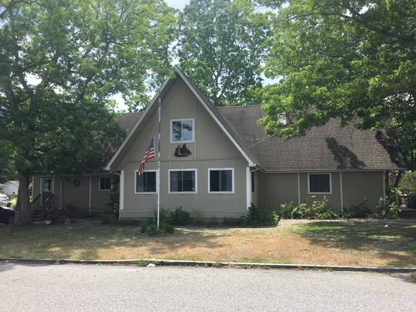 Photo Room in spacious home (Little Egg Harbor)