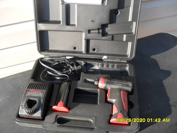 Photo Snap On Tools 14quot Cordless Screwdriver CTS561CL w Battery Charger  - $115 (forked river)