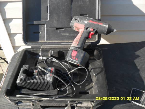 Photo Snap-on CT350 12 Volt 12quot Cordless Impact Wrench Charger Case 1 Batt - $80 (forked river)