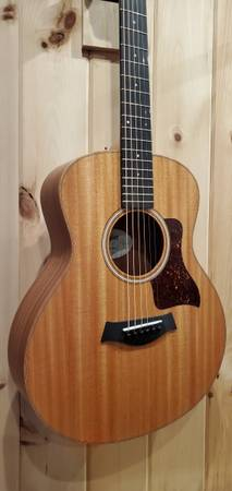 Photo Taylor GS Mini Mahogany Acoustic Guitar Like New with bag - $475 (Howell)