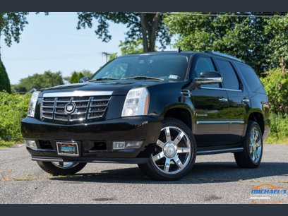 Photo Used 2007 Cadillac Escalade AWD w Information Package for sale