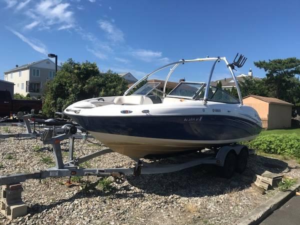 Photo Yamaha SX210 jet boat - $11,000 (Neptune)