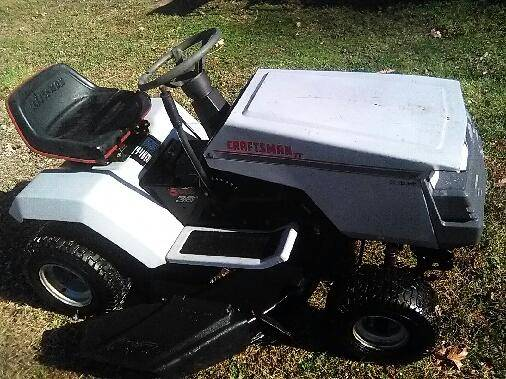 Photo --- Craftsman II Riding Lawn Mower  Tractor --- (howell)