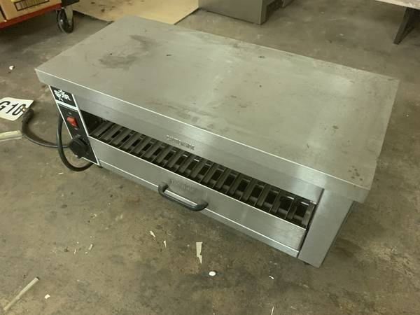 Photo electric cheeemelter  salamander  toaster commercial - $100 (Brick)