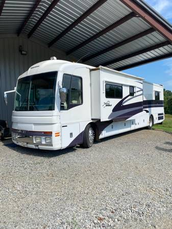Photo 2001 Fleetwood American Eagle Motorhome - $63,000 (Beebe)