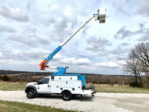 Photo 2011 Ford F550 Insulated 4X4 Altec AT37G 42 Bucket Truck 6.7L Diesel - $35000