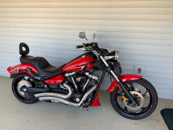 Photo 2014 Yamaha Raider - $8,500 (Jonesboro, ar)