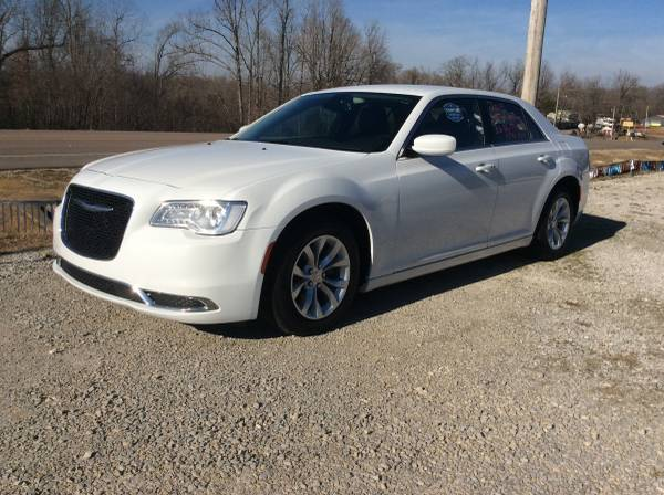 Photo 2015 CHRYSLER 300 LIMITED 77,052 TWO OWNER CARFAX-HEATED LEATHER-V6 - $13,900 (Hardy AR.,)