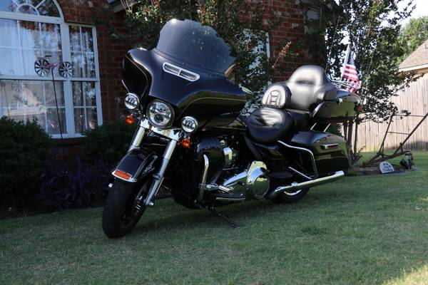 Photo 2016 Harley Ultra Limited - $17,000 (Oakland)