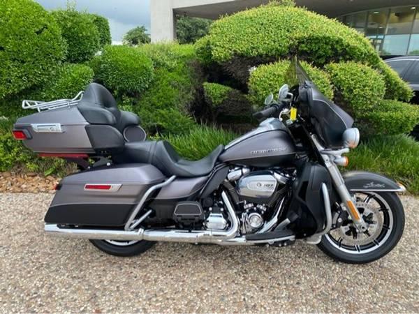 Photo 2017 Harley-Davidson FLHTK Ultra - $22,982 (Harley-Davidson FLHTK Ultra)