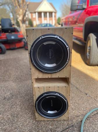 Photo 2-12 Element subwoofers and ported box with Jensen 1200W mono  - $200 (Collierville)