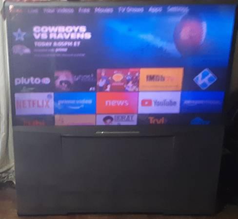 Photo 6539 MITSUBISHI Big Screen TV - $100 (Beebe)