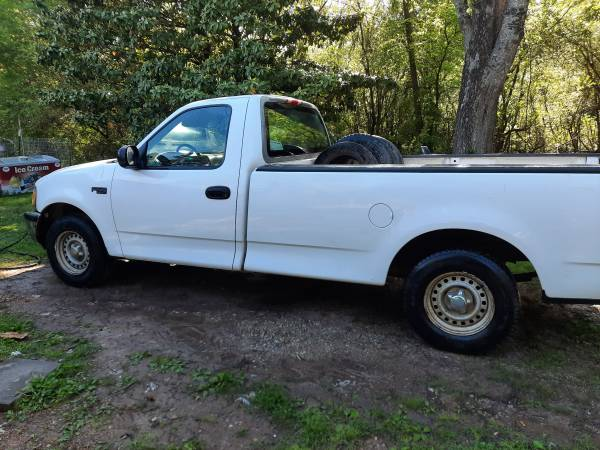 Photo 97 ford and 05 montana (IMBODEN)