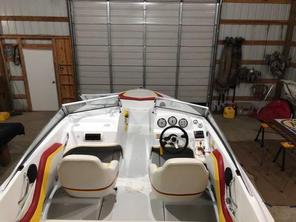 Photo Baja ski boat - $22,000 (Batesville)
