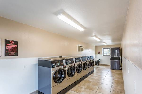 Photo Central Heat and Air, Garbage Disposal, Dishwasher