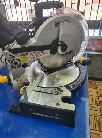 Photo Chicago electric miter saw - $89