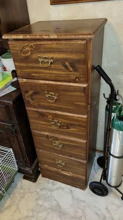 Photo Dresser with 5 drawers 18quot wide. USED. - $15 (Jonesboro)
