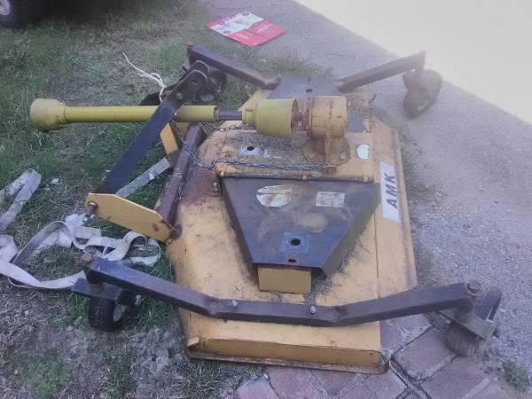 Photo Finish mower PTO driven - $600 (Lepanto)